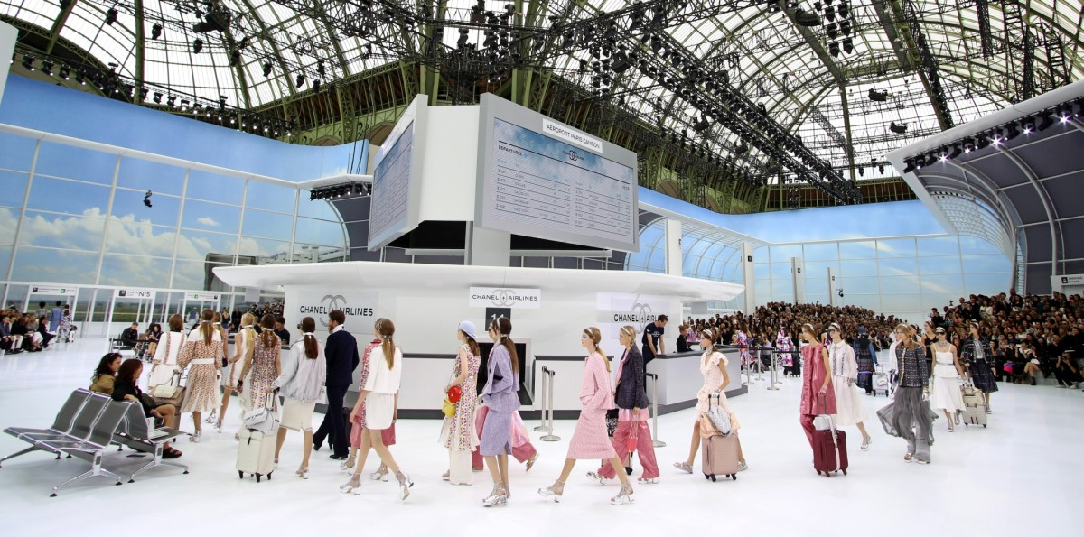 Défilé Chanel collection prêt-à-porter Printemps/Eté 2016 lors de la fashion week à Paris, le 6 octobre 2015. Chanel fashion show Spring/Summer ready-to-wear 2016 during the fashion week in Paris, France, on October 6th 2015.